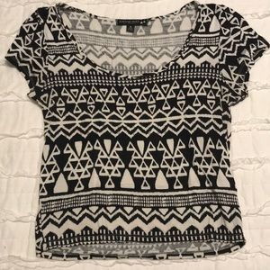 Black and white geometric patterned crop top